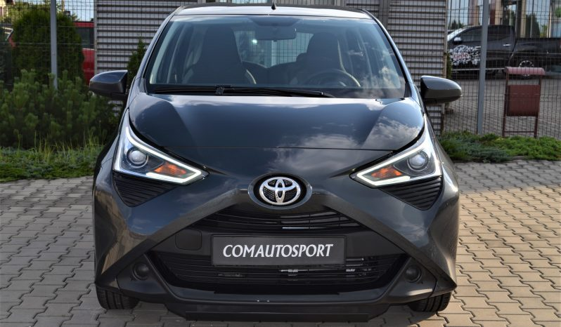TOYOTA AYGO X-CONNECT full